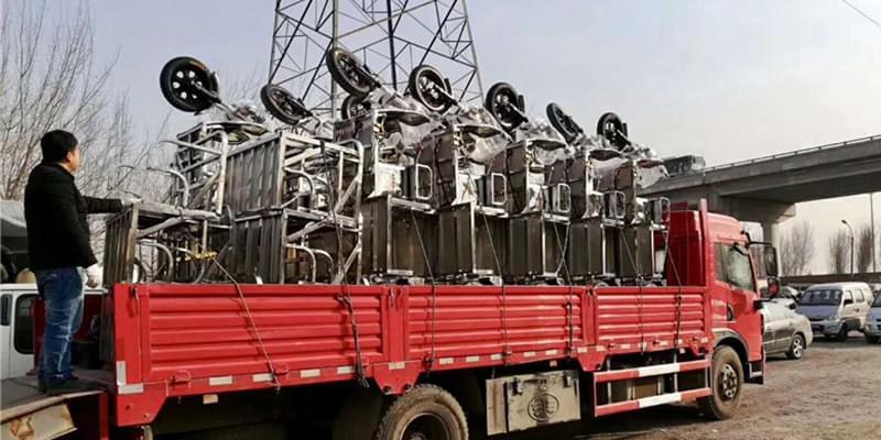 北京金恺不锈钢四桶车成批交到客户手中