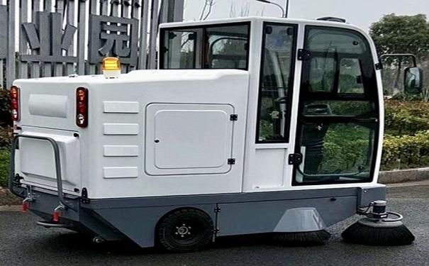工厂清扫使用电动工业扫地车有哪些优势-金恺环保