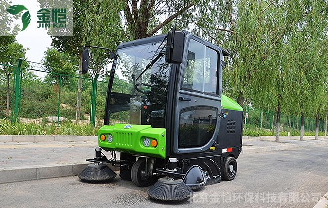 一台金恺环保小型扫地车 解决老板烦恼!