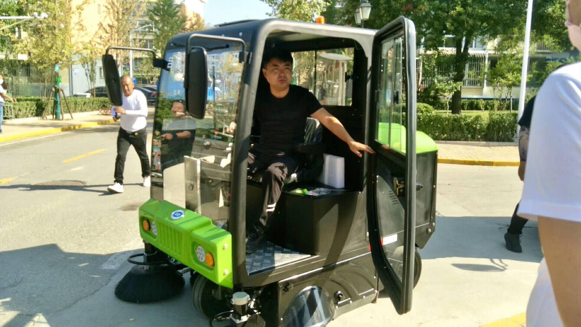 金恺清运车运桶车入驻吕营嘉园 实现小区垃圾高效清理!