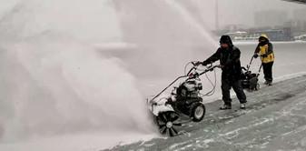 金恺扫雪机